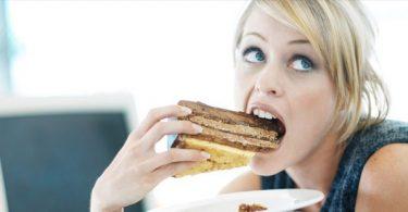Rüyada Tatlı Yemek