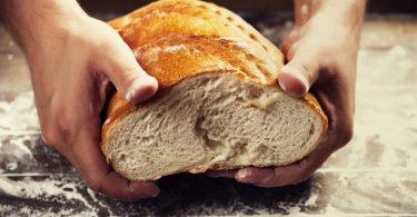 Rüyada Ölmüş Birine Ekmek Vermek
