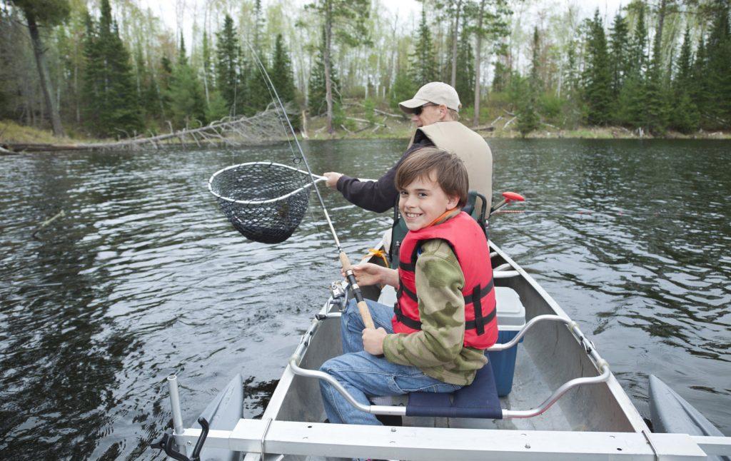 Rüyada Gölde Balık Avlamak