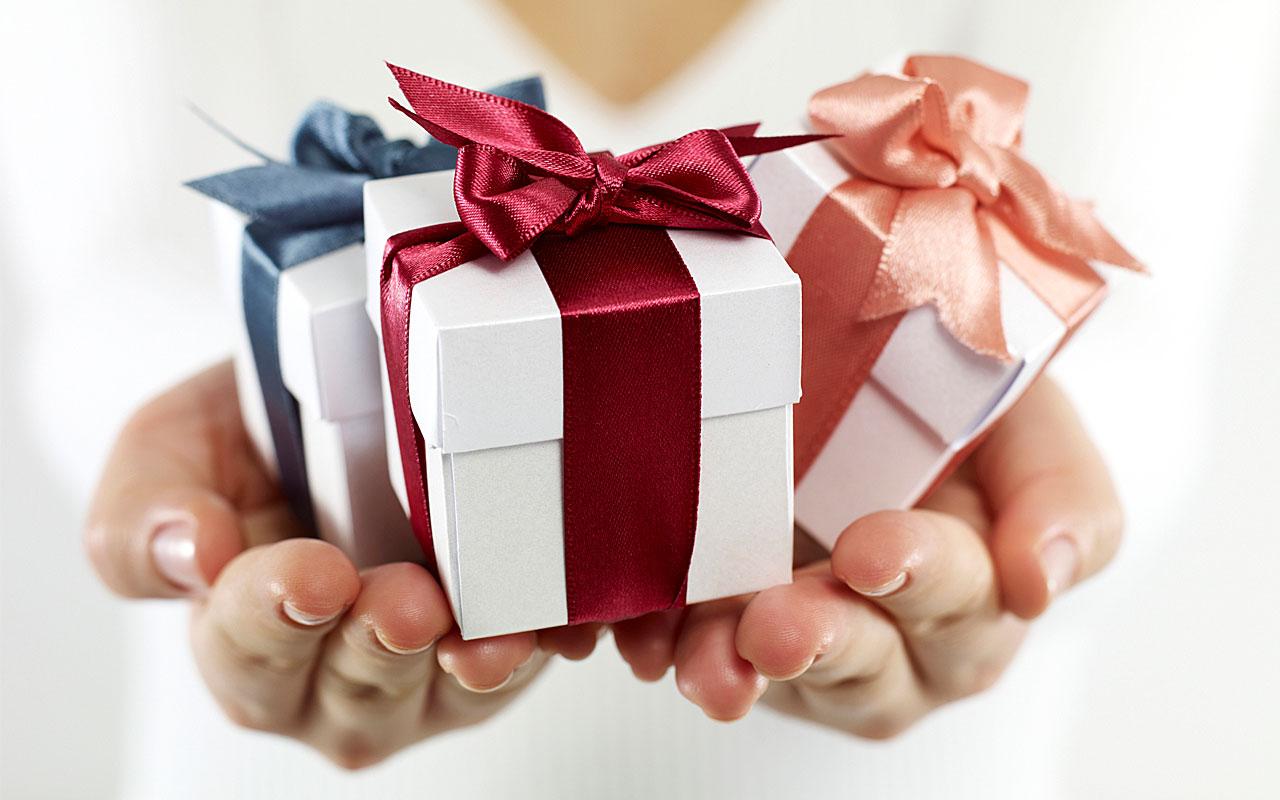 Как сделать подарок через телефон