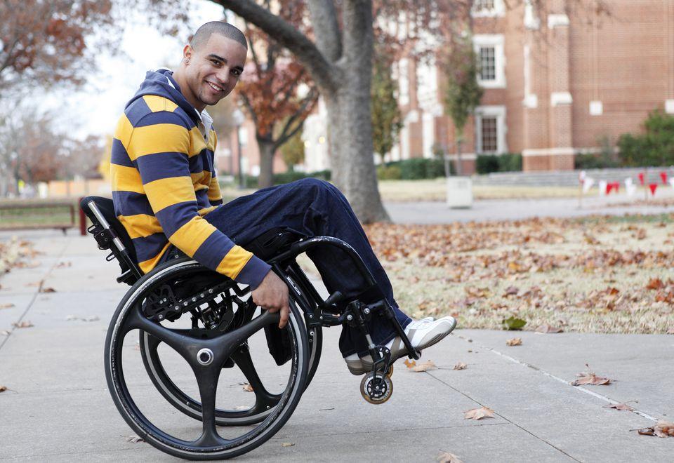 Rüyada Tekerlekli Sandalye de Oturduğunu Görmek