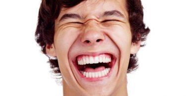 Rüyada Sesli Gülmek
