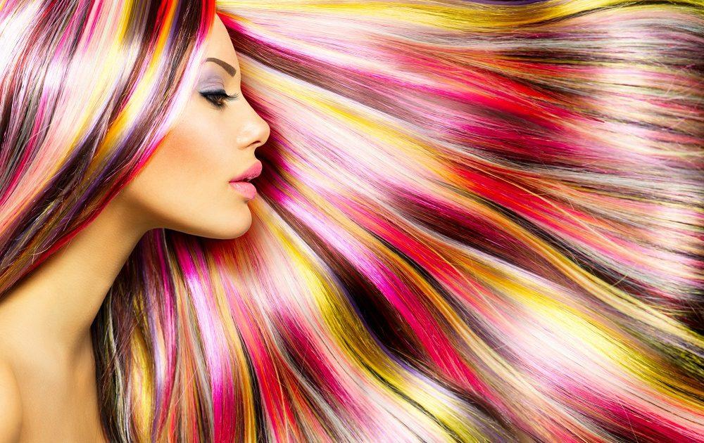Rüyada Rengarenk Saç Boyattığını Görmek