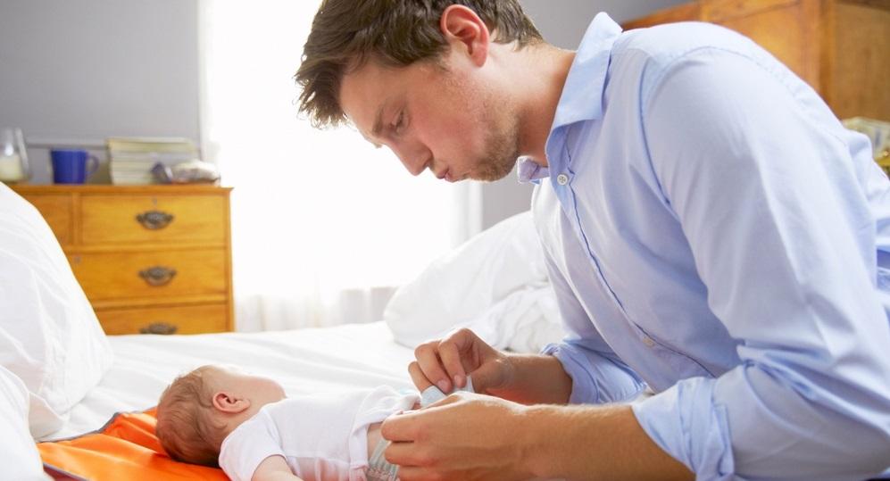 Rüyada Eşinin Doğum Yaptığını Görmek ve Doğurmasına Yardım Etmek