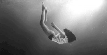 Rüyada Birinin Düştüğünü Görmek