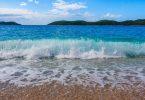 Rüyada Dalgalı Denizde Yüzmek