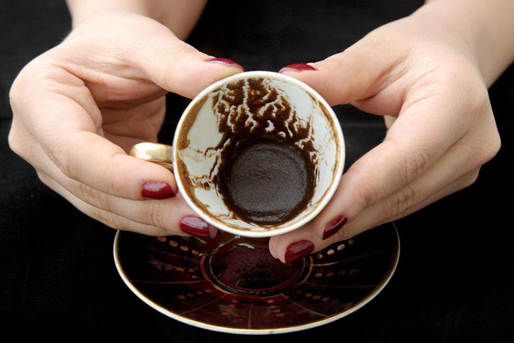 Rüyada Kahve ve Tarot Falı Baktırmak