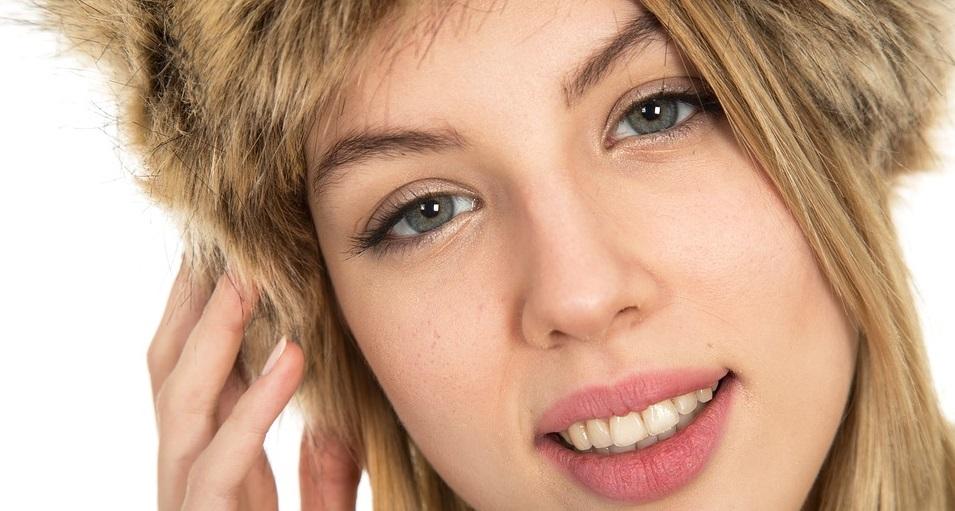 Rüyada Saçını Sarı Görmek ve Saçların Tas Şeklinde Kesilmesi