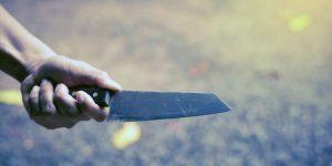 Rüyada Yabancı Birinin Bıçaklandığını Görmek