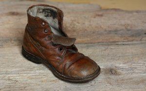 Rüyada Çamurlu Ayakkabı Sildiğini Görmek