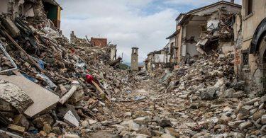 Rüyada Depremde Sallanmak