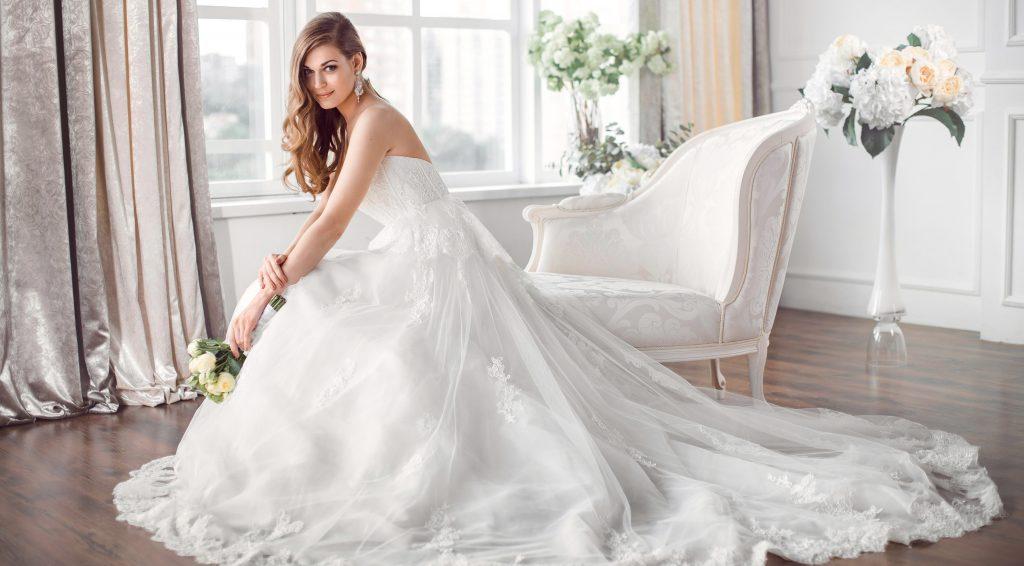 Rüyada Evliyken Gelinlik Giydiğini Görmek ve Çok Mutlu Olmak