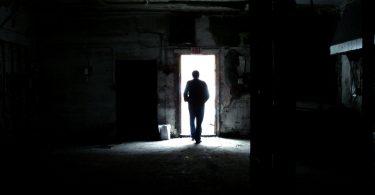Rüyada Karanlıkta Kaçmak