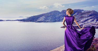 Rüyada Mor Elbise Giyen Birilerini Görmek