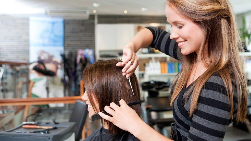 Rüyada Saçının Başkası Tarafından Boyandığını Görmek