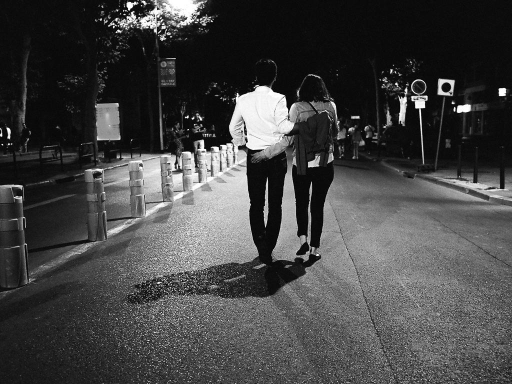 Rüyada Bir Gece Karanlıkta Yürümek