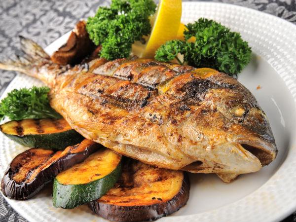 Rüyada Büyük Balık Hazırlayıp Yemek Sofrada Görmek