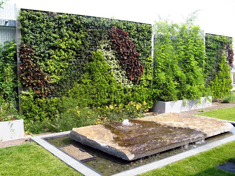 Rüyada Bahçede Yeşil Büyük Duvar Taşı Görmek
