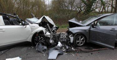 Rüyada Araba Kazası Geçirmek
