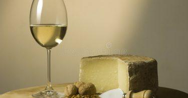 Rüyada Beyaz Şarap içmek