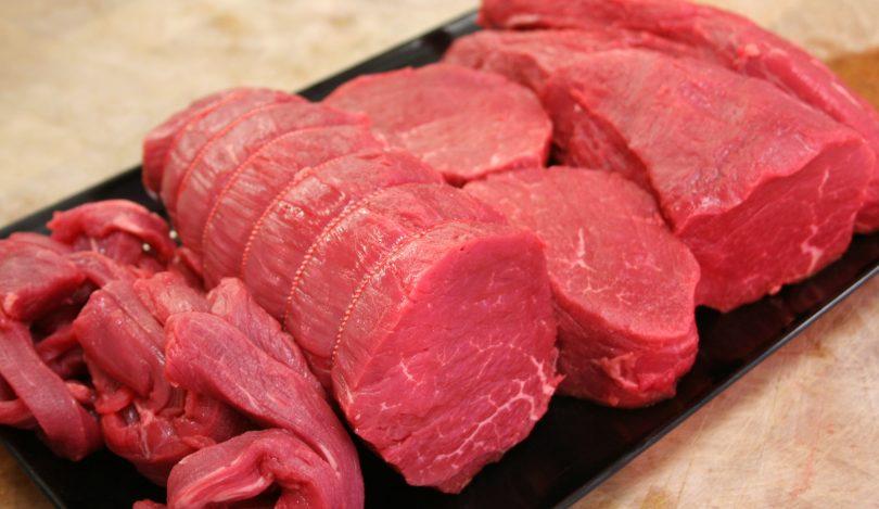 Rüyada Kırmızı Et Yemek