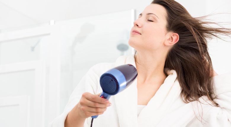 Rüyada Saç Kurutma Makinesi Görmek ve Kullanmak