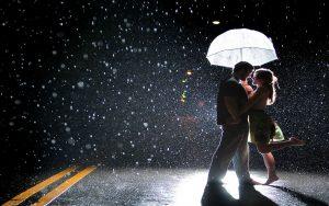 Rüyada Sevgiliyle Sağanak Yağmurda ıslanmak