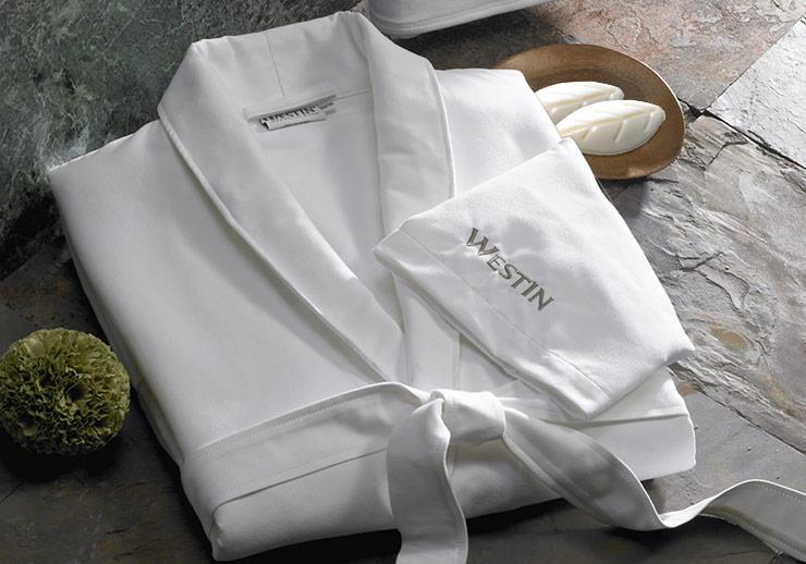 Rüyada Beyaz Bornoz Giymek