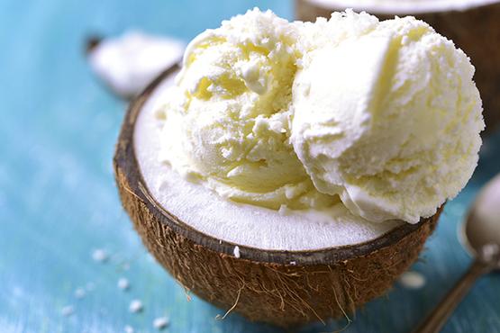 Rüyada Sade Beyaz Külahta Dondurma Alıp Yemek