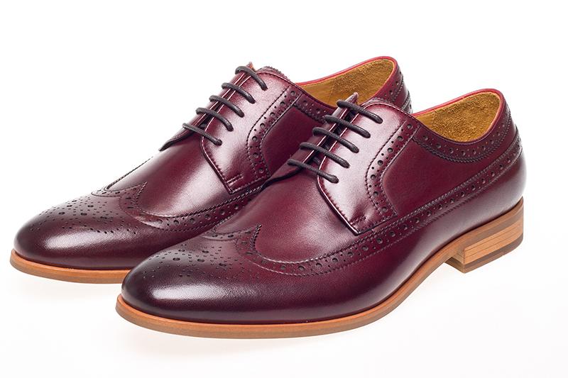 Rüyada Bordo Ayakkabı Görmek