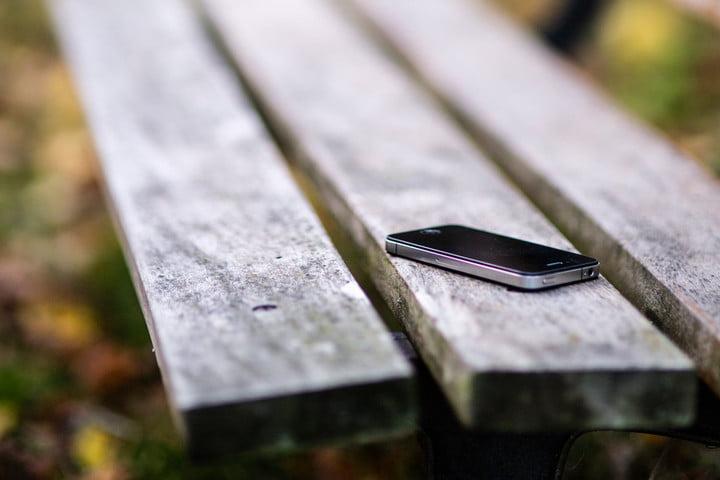 Rüyada Yeni Cep Mobil Telefonunu Çaldırmak Kaybetmek