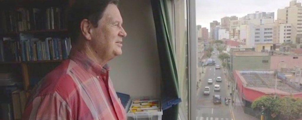 Rüyada Başka Evde Bir Yabancı İri Erkek Oturması Görmek