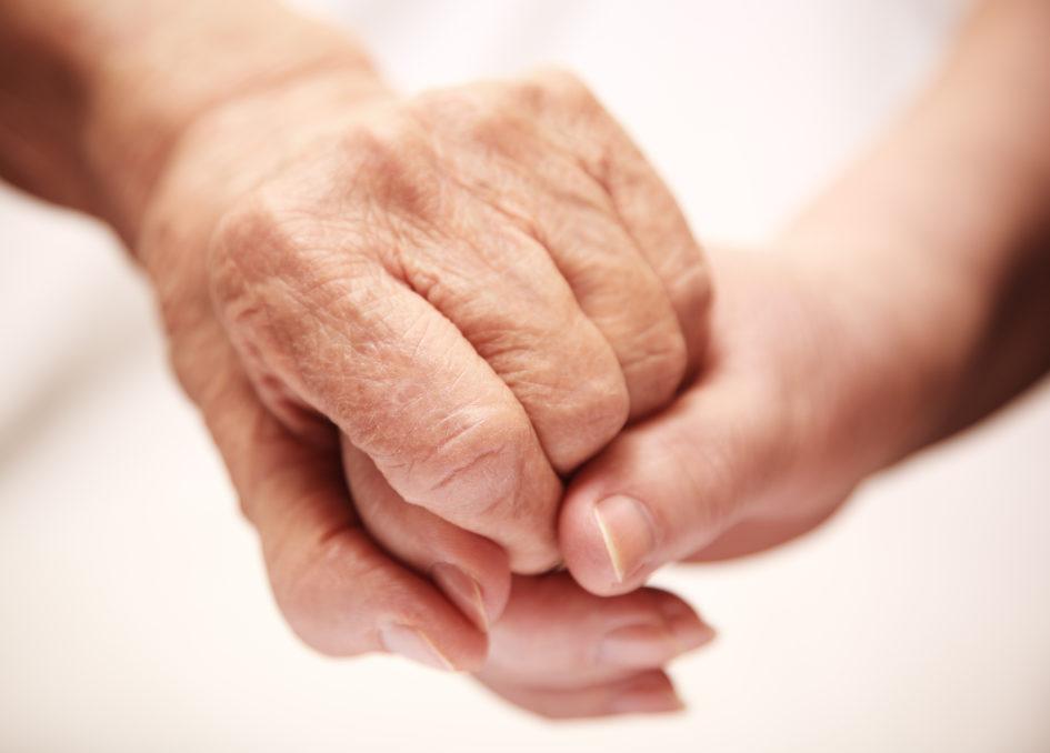 Rüyada Çok Hasta Sevdiğin Birini İyi Sağlıklı Olduğunu Görmek