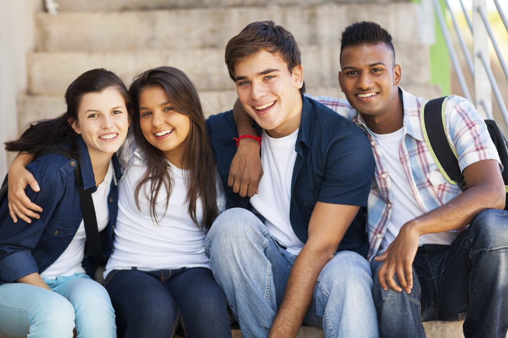 Rüyada Okul Arkadaşı Görmek ve Tartışmak