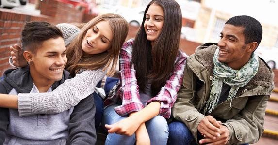 Rüyada Orta Okul Sıra Arkadaşı Evde Görmek