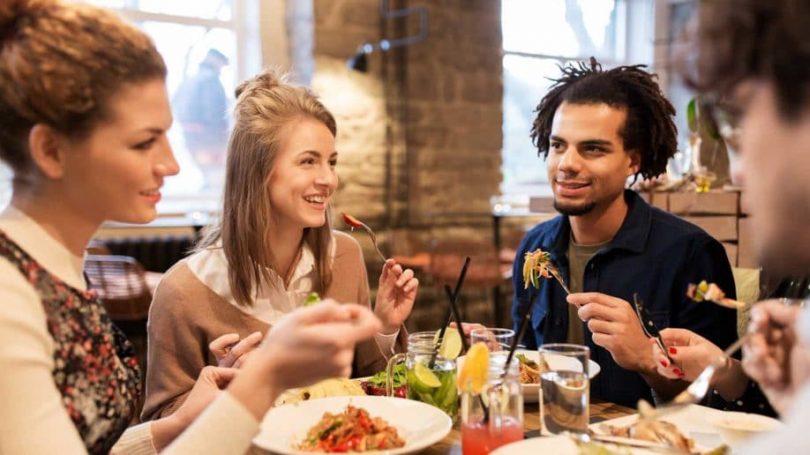 Rüyada Toplu Yemek Yemek