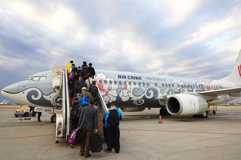 Rüyada Uçağa Binmek İçin Hazırlanmak ve Yolculuk Yapmak