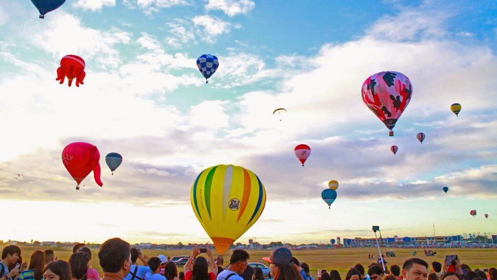 Rüyada Güzel Uçan Bir Balona Heyecanla Binmek