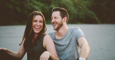 Rüyada Sevdiğini Gülerken Görmek