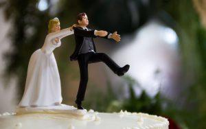 Rüyada Eski Sevgiliyle Kaçıp Evlendiğini Görmek