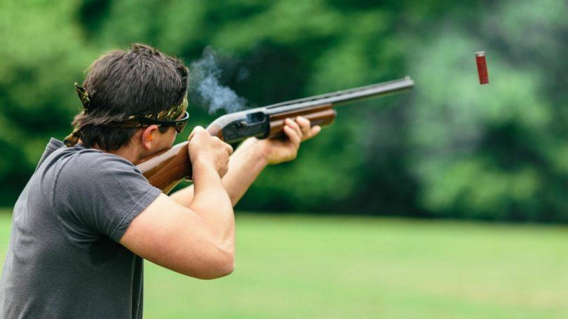 Однако другие опасаются иметь дело с оружием - и для них оно является запретным символом.