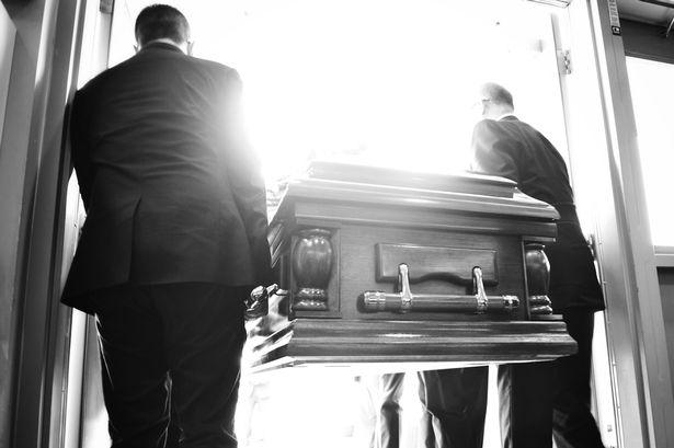 Rüyada Gündüz Hasta Birinin Öldüğünü Görmek
