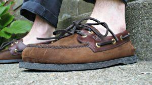 Rüyada Beyaz Çorapsız Ayakkabı Giymek