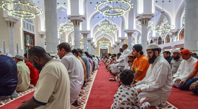 Rüyada Camide Namaz Kıldığını Görmek ve Korkmak