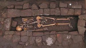 Rüyada Aileden Ölen Birinin Canlandığını Görmek