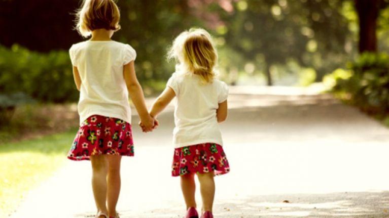 Rüyada Kız Kardeşini Görmek ve Onunla Ağlamak