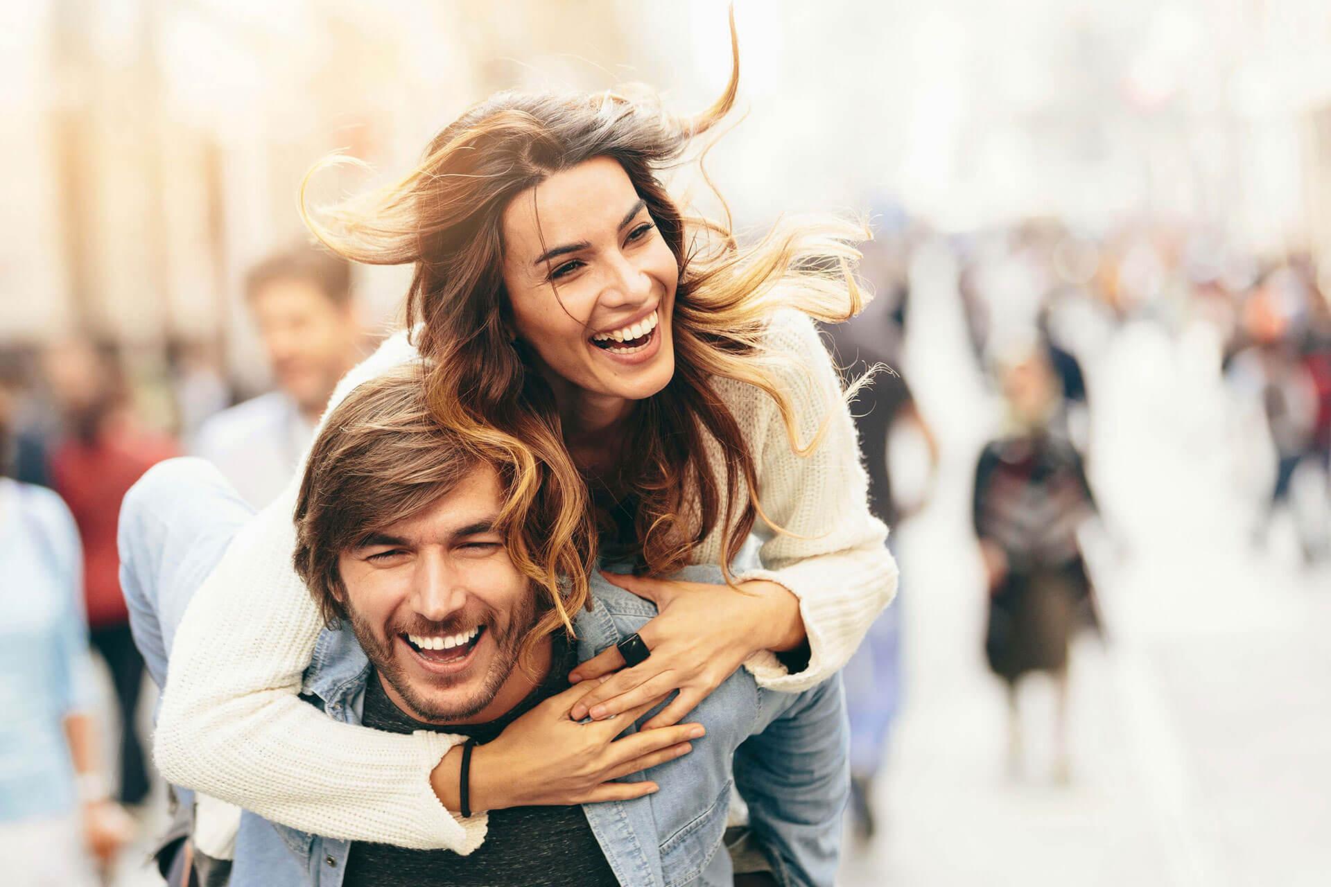 Rüyada Eski Sevgiliyle Barıştığını Görmek ve Evlenmek