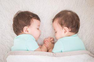 Rüyada Yeni Doğmuş iki Bebek Görmek