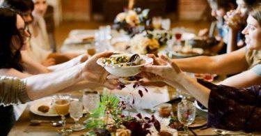 Rüyada Kalabalıkta Yemek Yediğini Görmek