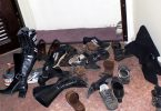 Rüyada Kapının Önünde Ayakkabılar Görmek